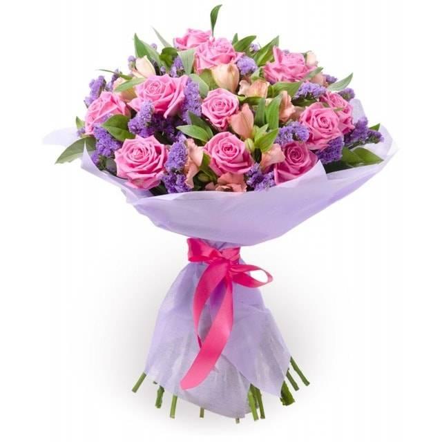 НежностьАльстромерии<br>Светло-розовые розы отлично гармонируют с альстромериями и создают<br>непередаваемой красоты композицию, которая будет приятна любой женщине<br>или другу. Цветы передают ваше хорошее отношение и улыбку, дружеский<br>настрой. Подарив букет «Нежность» в честь важного праздника или ради<br>извинения, вы увидите лишь восторг в глазах близкого человека.<br>