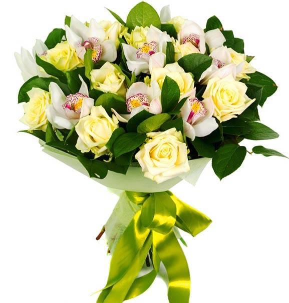 ДуэтОрхидеи<br>Орхидеи, которые являются основными в этой цветочной композиции, - это символы элегантности и совершенства, а их изысканный белый цвет делает букет еще более нежным и трепетным. Розы нежно-желтого оттенка помогут выразить ваше признание и восхищение, а использование при создании композиции листьев салала насыщенного зеленого цвета делают букет более ярким и выразительным. С помощью этой непревзойденной и невероятно нежной композиции вы непременно сможете подарить получателю море позитивных эмоций.<br>