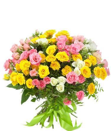 ПраздничныйКустовые розы<br>«Праздничный» букет состоит из разноцветных кустовых роз. Среди них присутствуют изысканные белые, яркие желтые и нежные розовые оттенки цветов, благодаря чему композиция выглядит невероятно красочно и привлекательно. Использование зелени писташа придает дополнительной эффектности и свежести. Такой букет отлично подойдет для выражения глубоких чувств искренности и уважения, а также поздравления близких людей с особыми праздниками.<br>